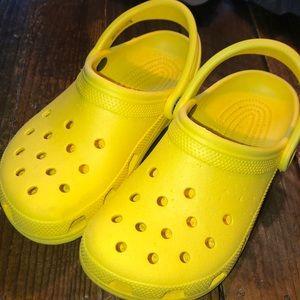 Yellow Crocs Women's 7